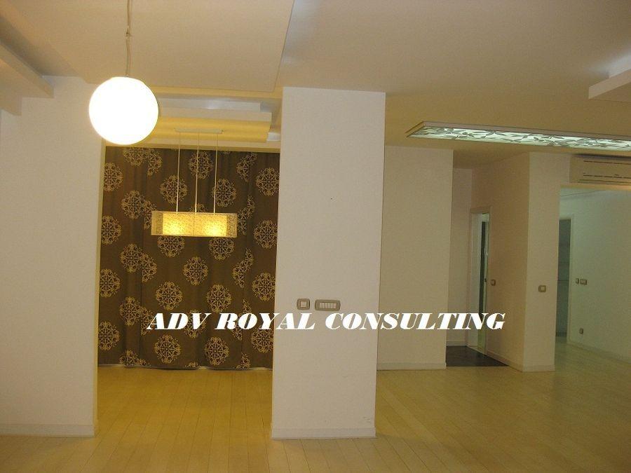 Stan na prodaju Beograd-Savski Venac 170 m2 3 Sprat 1 Spavaća soba Novogradnja