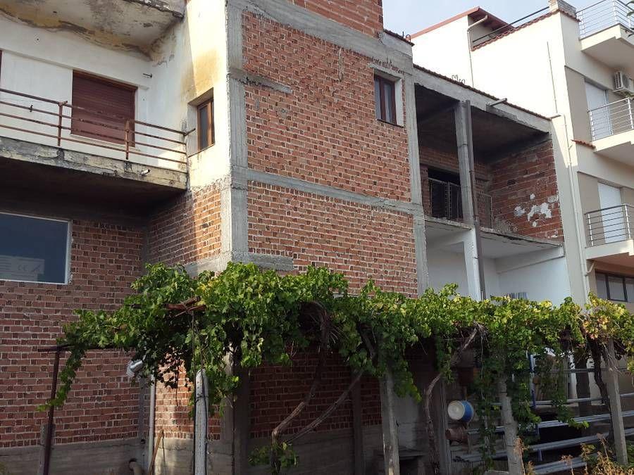 Photo 119746537