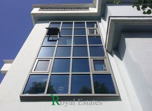 Κτίριο επαγγελματικών χώρων για ενοικίαση Ηράκλειο 746 τ.μ. Ισόγειο