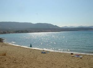 Karavostasi Beach, 150m