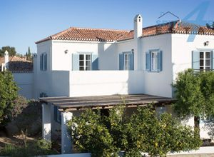 Detached House to rent Center (Spetses) 200 ㎡ 4 Bedrooms